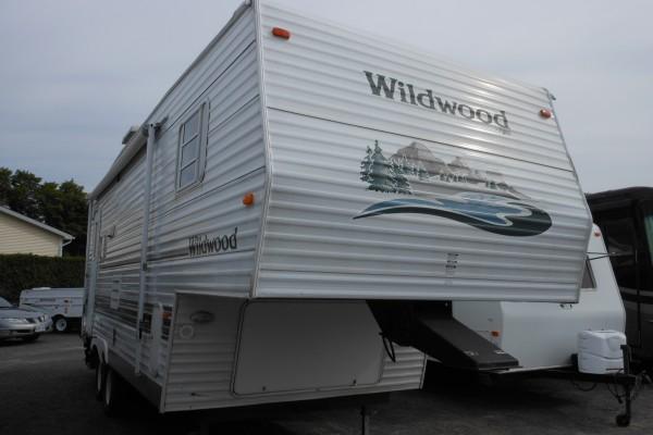 2003 Wildwood 25RLSS 5th Wheel (1)