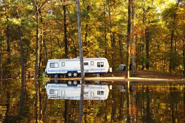 Trailer-Lake-Ottawa