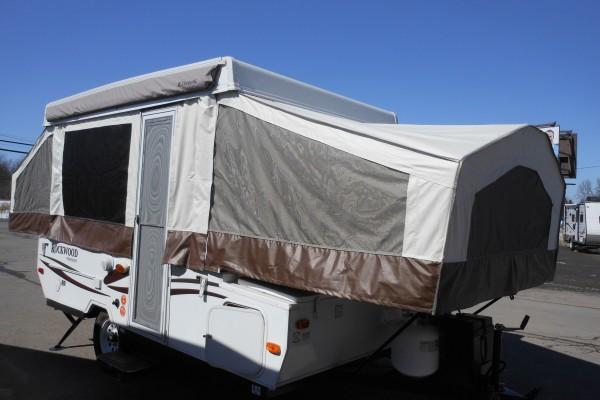 2011 Rockwood 1904 Tent Trailer (2)