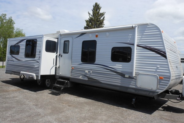 2013 Jayco Jayflight 33RLDS Travel Trailer (1)